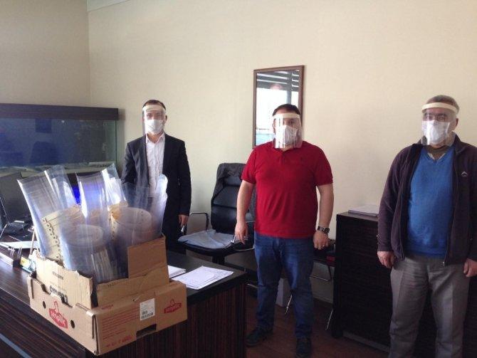 Van'daki sağlıkçılara yüz siperliği desteği