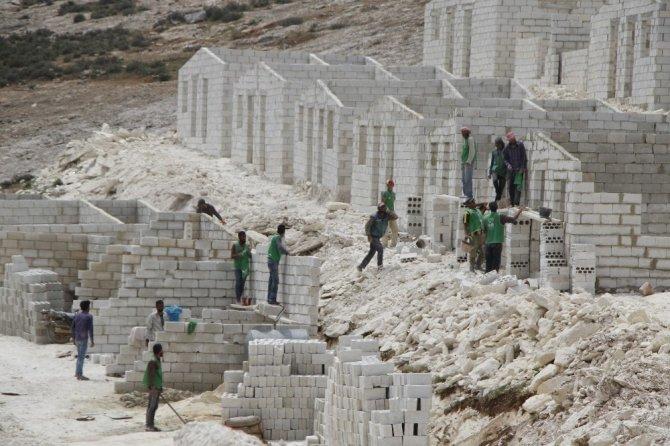 Suriye'de 2 bin 816 briket ev daha tamamlandı