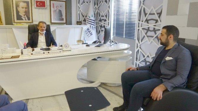 İş Adamı Gürsoy'dan Adıyaman Belediyesine 10 bin maske