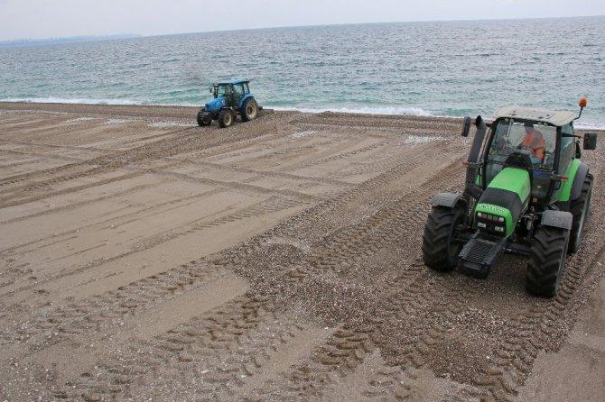 Konyaaltı Sahili yaz sezonuna hazırlanıyor