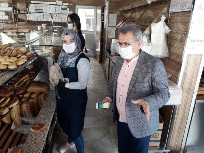 Başkan Çetindoğan fırıncıları denetleyip, teşekkür etti