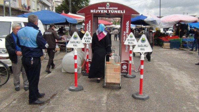 Bursalılar pazarlara akın ettiler