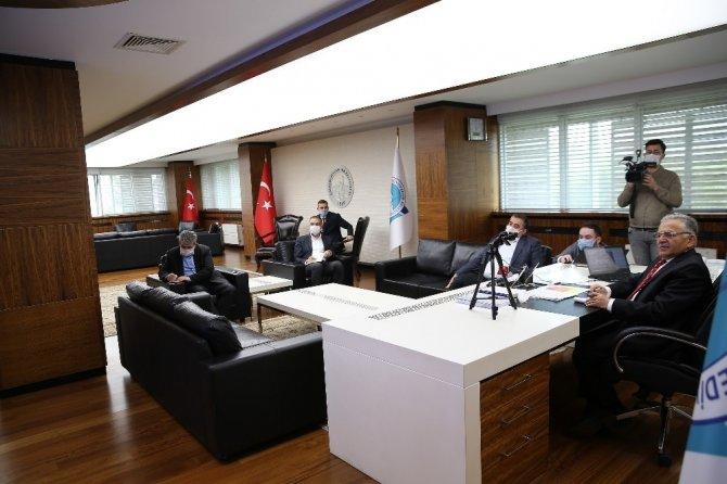 Başkan Büyükkılıç, ilçe belediye başkanları ile detaylı bir toplantı gerçekleştirdi