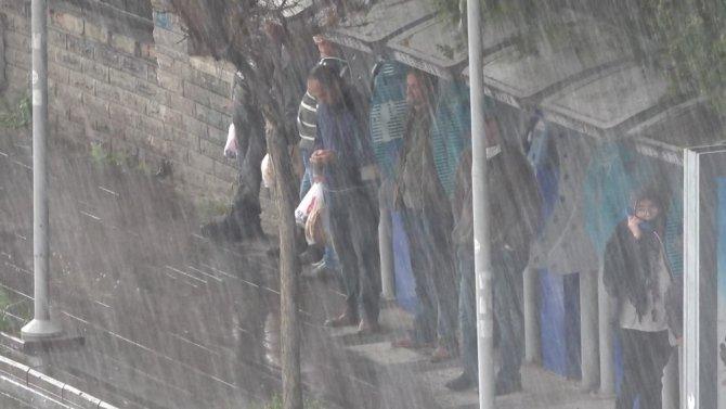 Kırıkkale'de kuvvetli yağış