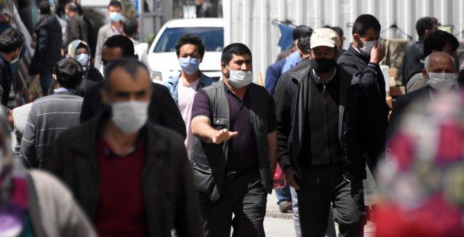 Konya'da, kısıtlama sonrası alışveriş yoğunluğu