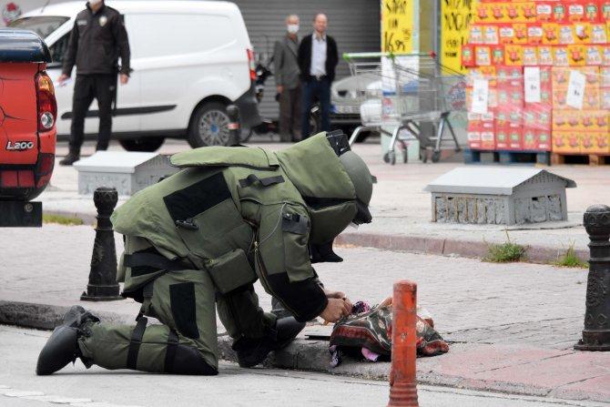 Konya'da şüpheli çantayı izleyen meraklı vatandaşlar sosyal mesafeyi unuttu