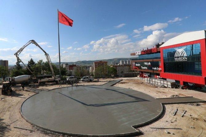 Büyükşehir Belediyesinden 250 kişilik amfi ve spor alanı