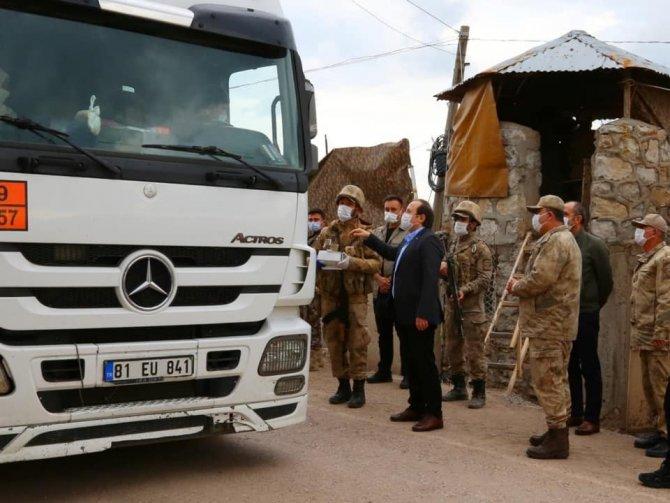 Vali Pehlivan, Trafik Haftasında kontrol noktalarını ziyaret etti