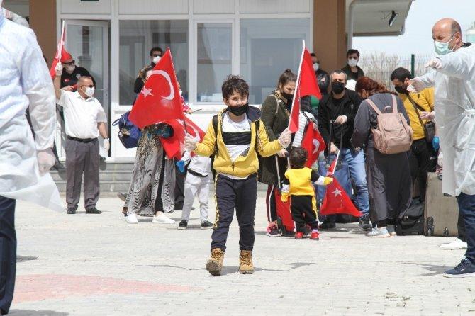 Suudi Arabistan'dan 143 Türk vatandaşı Van'a getirildi