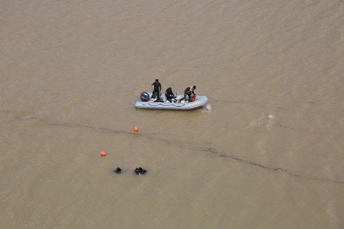 Kayıp Gülistan'ı arama çalışmaları çok sayıda ekiple sürüyor