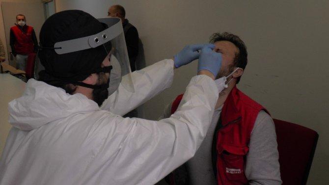 Kocaeli'de işçilere korona virüs taraması yapılıyor