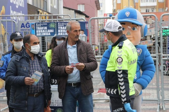 İl Emniyet Müdürlüğü, Karayolları Trafik Haftasını 'Evdeyim ama trafik kuralları aklımda' sloganıyla kutladı