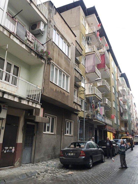 Aydın'da eski evler tehlike saçıyor