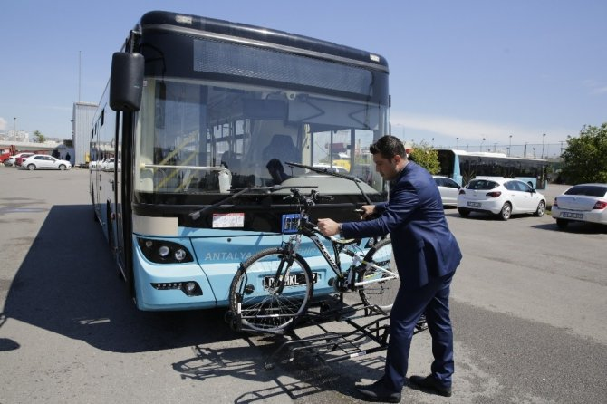 Büyükşehir'den, otobüslere bisiklet taşıma aparatı