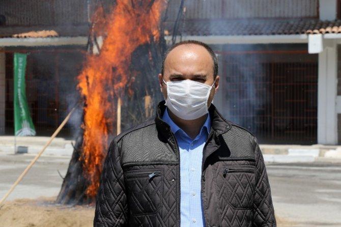 Koronavirüs, bin 400 yıllık ateşin yanmasına mani olamadı
