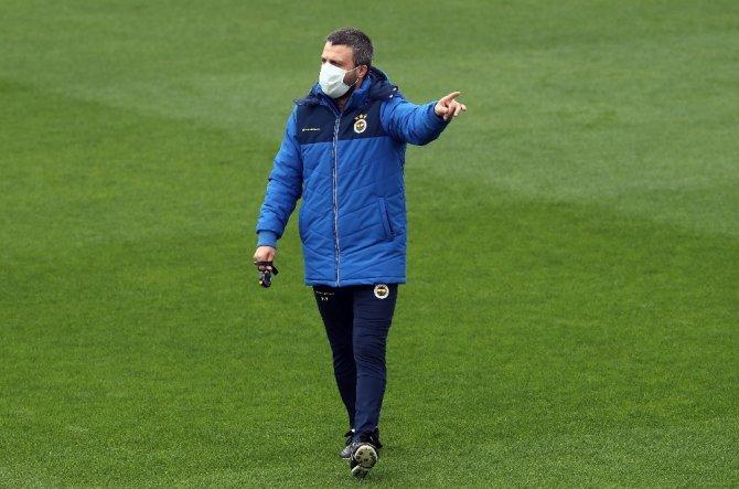 Fenerbahçe gruplar halinde çalışmalarını sürdürdü