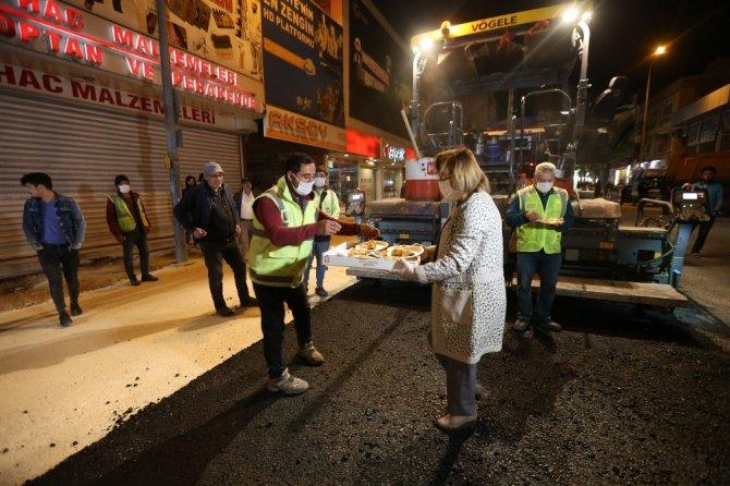 Gece gündüz çalışan ekiplere tatlı dopingi
