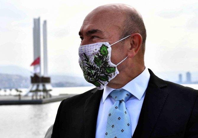 İzmir Büyükşehir bir günde 117 bin maske dağıttı