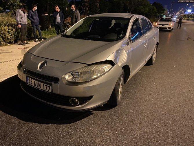 İzmir'de aracın çarptığı yaya metrelerce sürüklendi