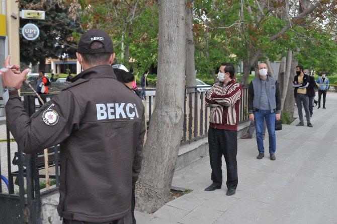 Konya'da, PTT şubelerinde yoğunluk devam ediyor