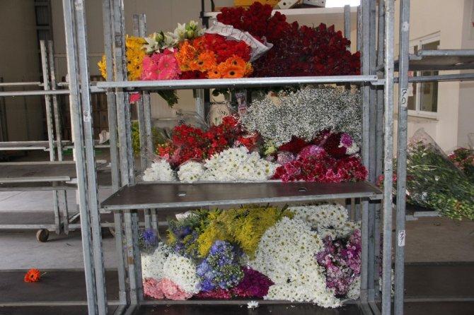 Korona virüs, çiçekçileri fena vurdu