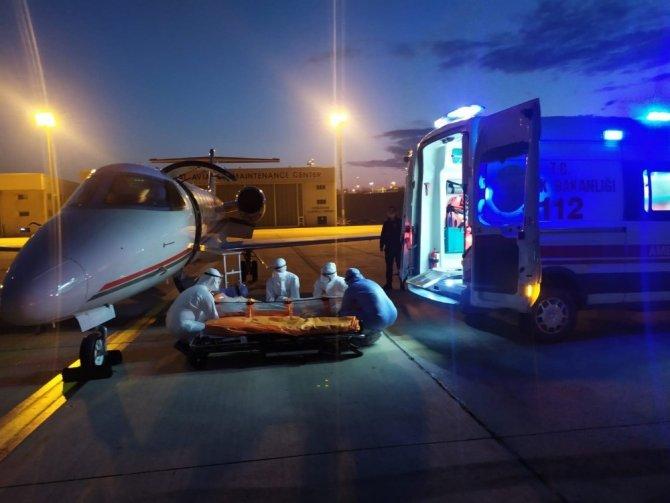 Sudan'daki Covid-19'lu vatandaş ambulans uçakla yurda getirildi