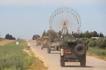 """MSB: """"TR-RF mutabakatı çerçevesinde İdlib'deki M4 karayolunda kara ve hava unsurlarının katılımıyla 8'inci Türk-Rus Birleşik Kara Devriyesi icra edildi."""""""