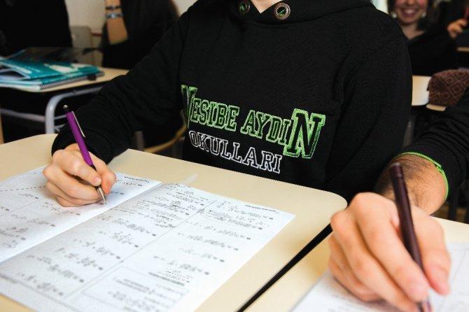 Nesibe Aydın Okulları Ortaokullar Koordinatörü Bayşu'dan öğrencilere LGS tavsiyeleri