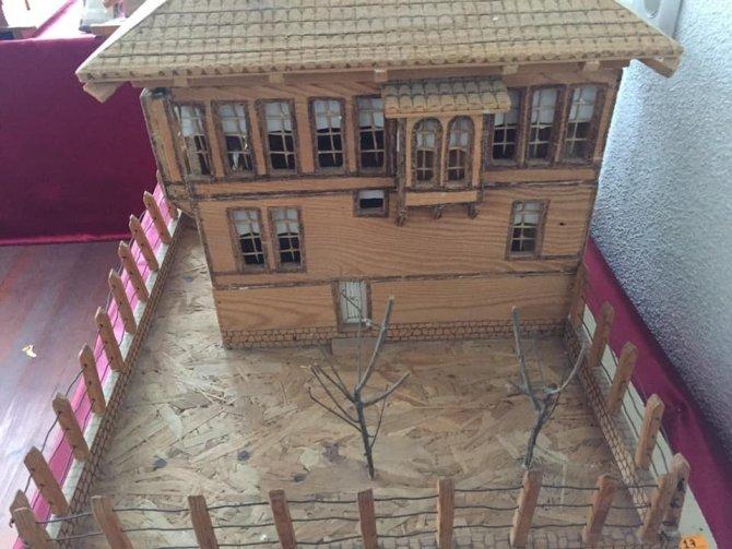 Osmaneli tarihine ışık tutan Ulvi Erbaş'ın eserleri belediye müzesinde sergileniyor