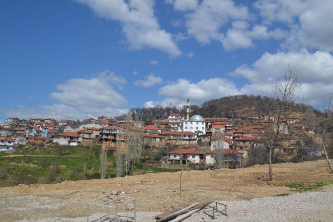 Simav'ın Çakırlar köyünde 29 ev, karantinaya alındı