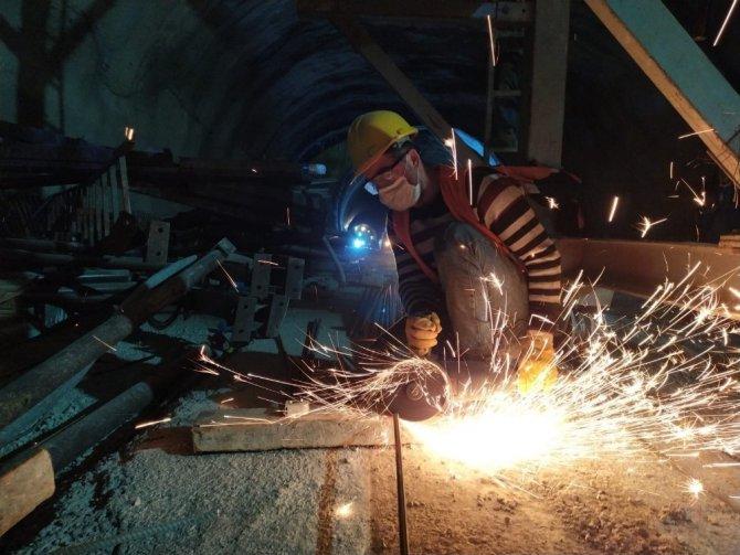 Ege'nin en büyük projelerinden Honaz Tüneli 2021'de faaliyete geçiyor