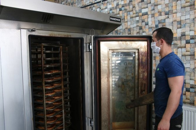 Ramazanın vazgeçilmezi 'Nohut Ekmeği' artık sadece üretim yerlerinde satılıyor