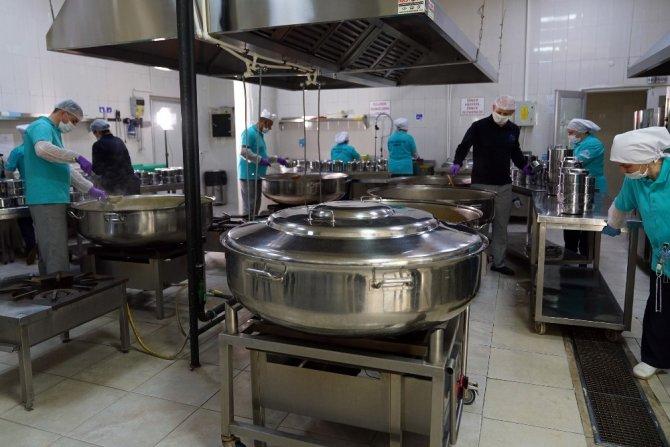 Çorlu Belediyesi her gün ihtiyaç sahiplerine ulaşıyor