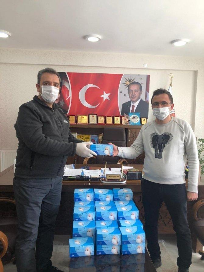 Elazığ'da, spor kulüplerine 7 bin maske