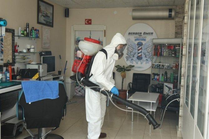 Gebze'de berberler dezenfekte ediliyor