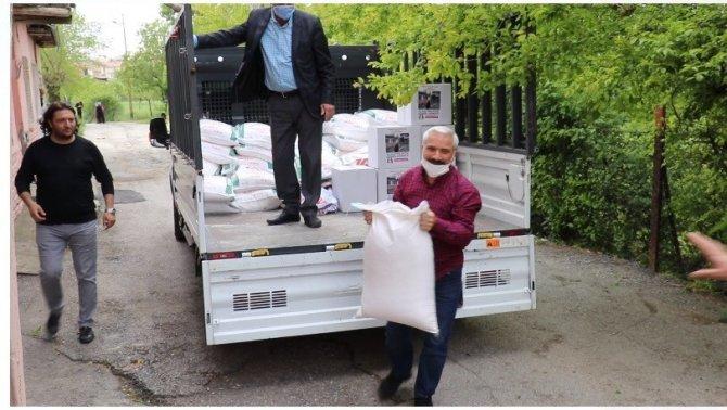Hayırsever iş adamlarından Ramazan yardımı