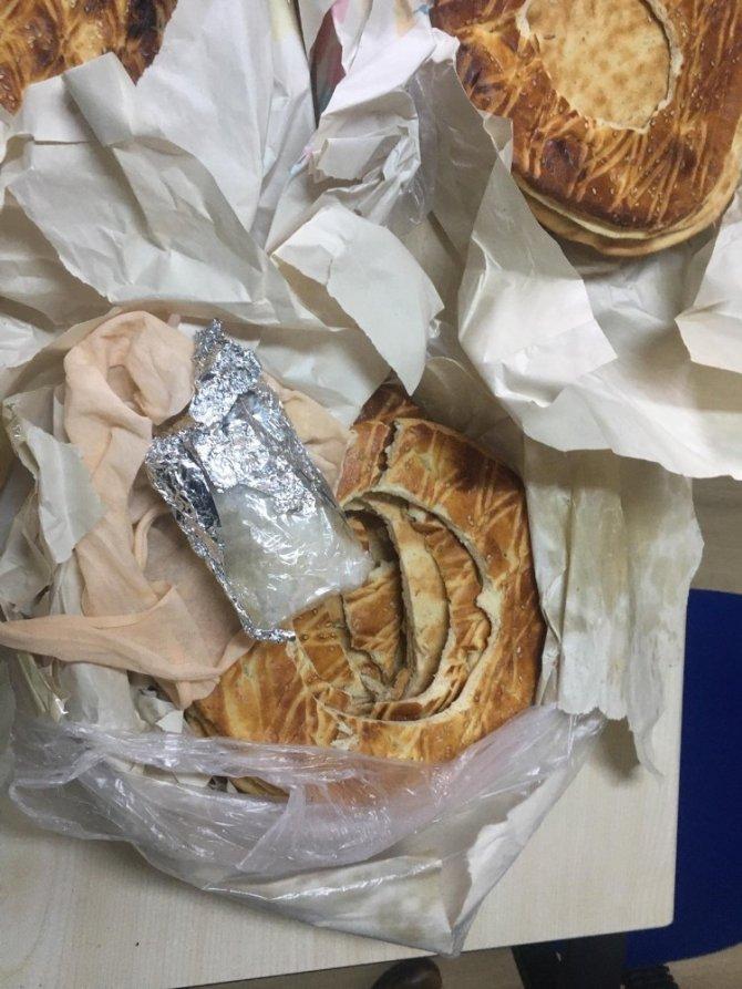 15 TL'lik Van çöreğinin içinden 6 bin 500 liralık zehir çıktı