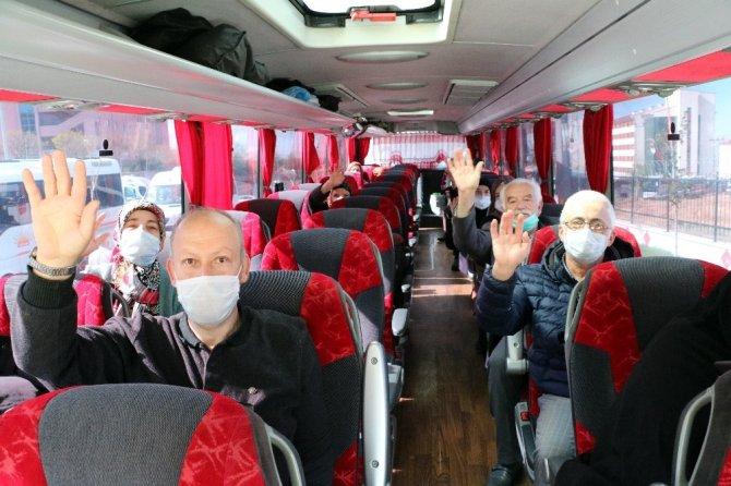 Yozgat'ta gözetim süreleri sona eren 313 kişi memleketlerine uğurlandı