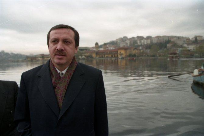 Erdoğan'dan 26 yıl önceki fotoğrafla Haliç paylaşımı!
