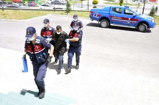 Konya'daki 'Binbir surat' lakaplı cezaevi firarisinin 206 yıl hapis cezası varmış!