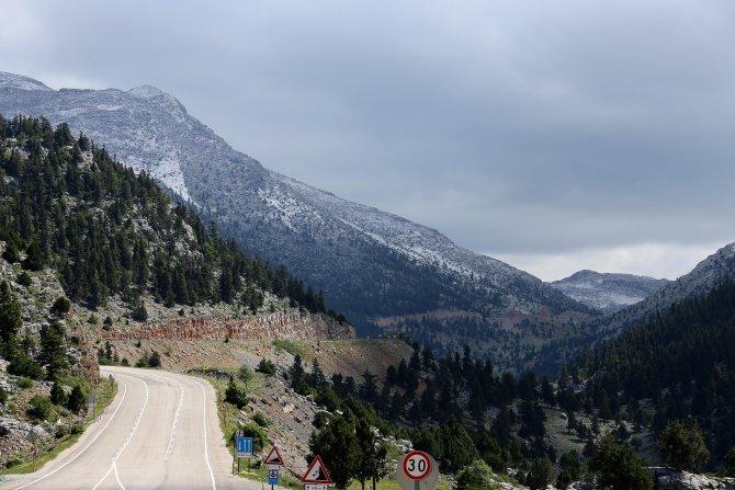 Antalya'ya mayıs ayında kar yağdı