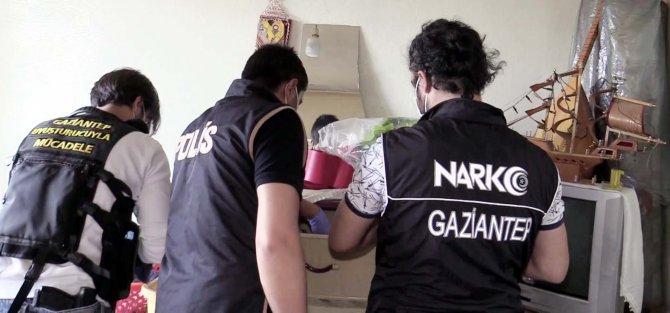 Özel harekatlı 'torbacı' operasyonunda 17 gözaltı
