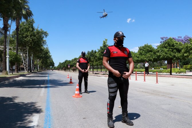 Polis denetimde helikopterden anonsla bayram kutladı