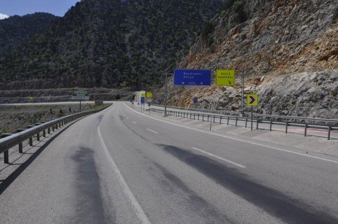 İç Anadolu'yu Akdeniz'e bağlayan yolda sessizlik hakim