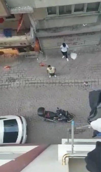 Sokağa çıkma kısıtlamasına uymayan kişiler, görüntü çeken vatandaşı tehdit etti