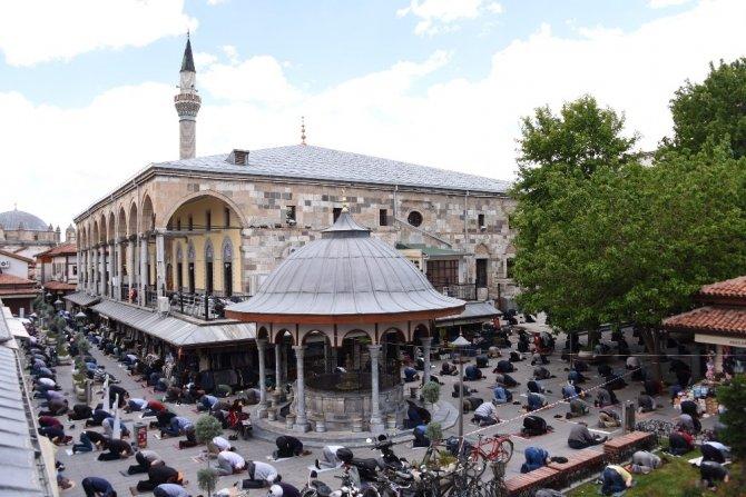 "Başkan Altay: ""Konya'da cuma namazı ile ikinci bayram yaşandı"""