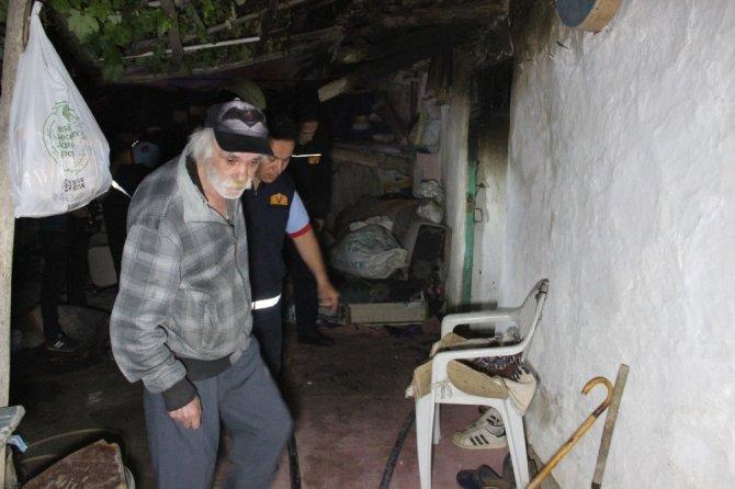 Karaman'daki yangından evdeki tüm eşyalar kullanılamaz hale geldi