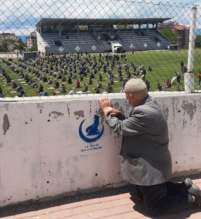 Cuma namazı için stada alınamayan 88 yaşındaki amca konuştu