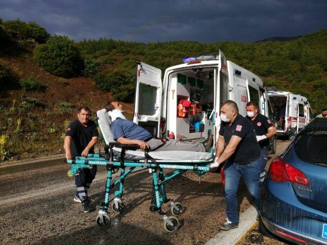 Kayganlaşan yolda iki araç çarpıştı: 4 yaralı