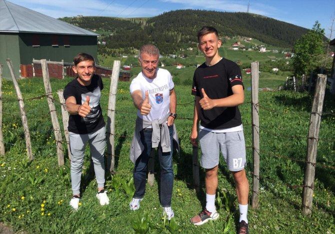 Ağaoğlu'ndan oyuncuların ailelerine ziyaret